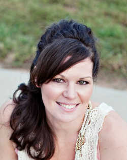 Kimberly Turner @kimberlyaturner Helps Moms Succeed